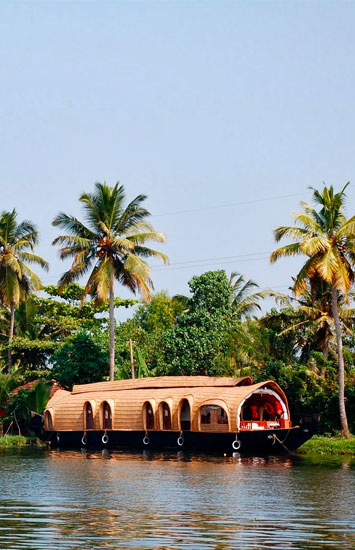 houseboating in alleppey
